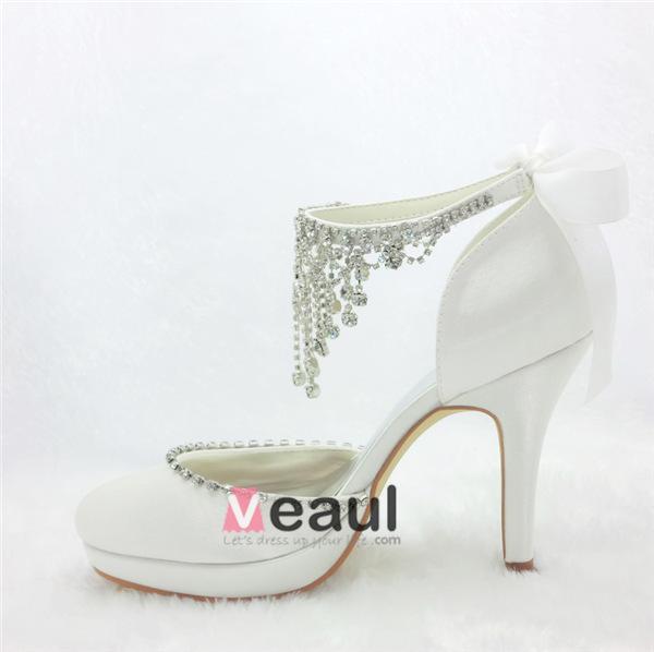 glamoureux chaussures de marie blanches talons aiguilles en satin avec des bijoux pendentif en strass - Chaussures Compenses Blanches Mariage