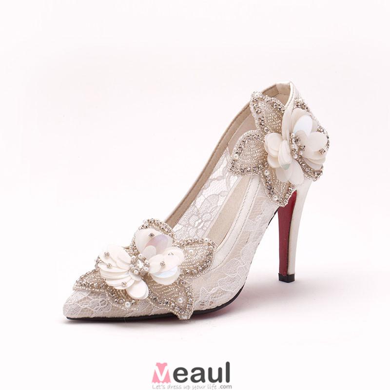 main fleurs de dentelle blanche chaussures de mari e chaussures de mariage chaussures femme. Black Bedroom Furniture Sets. Home Design Ideas