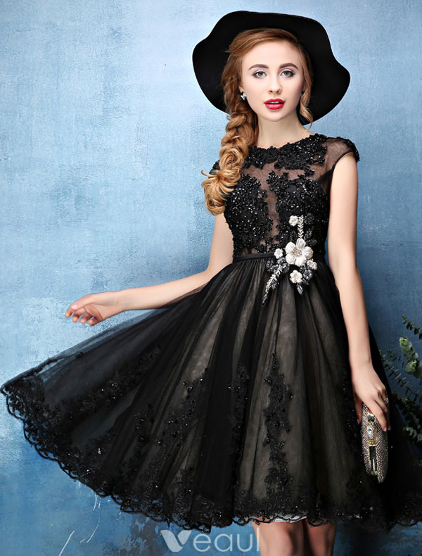 Princess Little Black Dresses 2016 Applique Lace With Sequins Knee Length Short Cocktail Dress