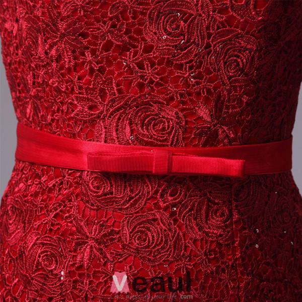 2016 Elegant Scoop Neckline Backless Rhinestone Red Lace Evening Dress With Sash