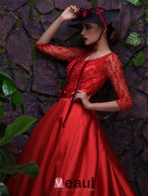 2016 Glamorous Scoop Neckline Backless Beading Red Satin Evening Dress