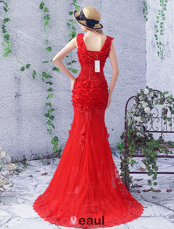 2016 Gorgeous Mermaid V-neck Backless Applique Petal Lace Beading Rhinestone Red Tulle Evening Dress