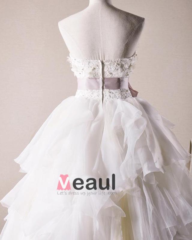 ... Decoration Florale Bustier En Tulle Une Robe De Mariage En Ligne