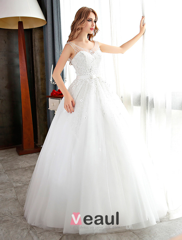 Robe de mariee blanche pailletee
