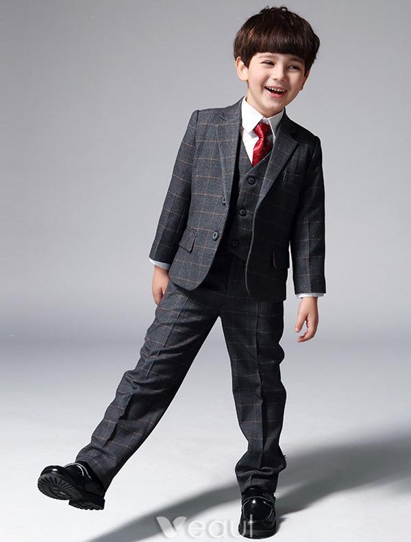 gar ons costumes gris avec cravate rouge les costumes pour les enfants de 4 ensembles 241602012. Black Bedroom Furniture Sets. Home Design Ideas
