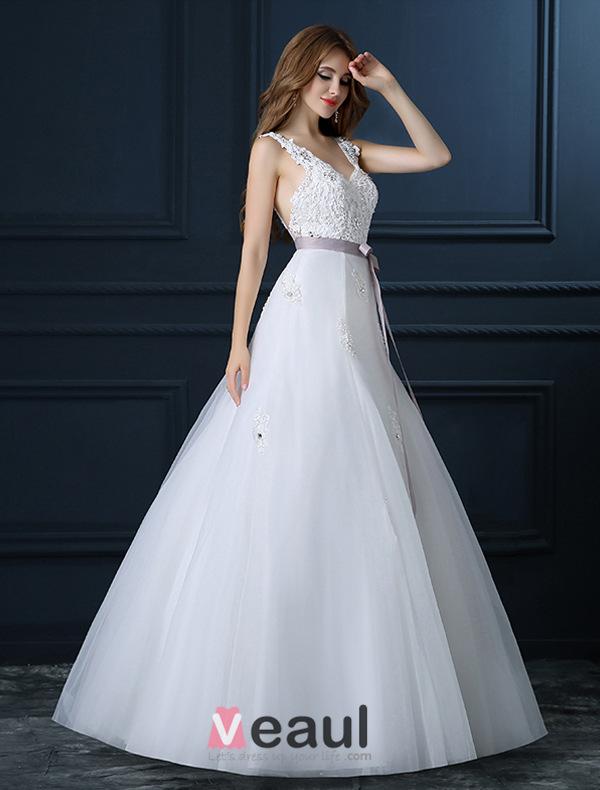 Beautiful A-line V-neck Wedding Dress Applique Lace Bridal Dress With Sash