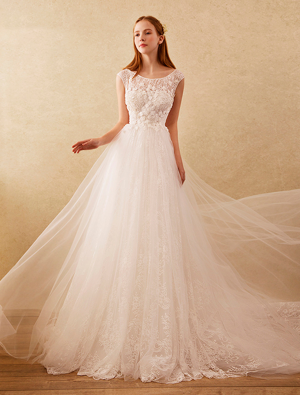 Beautiful A-line Wedding Dresses 2017 Scoop Neckline Beading And Applique Lace Flowers Bridal Gowns