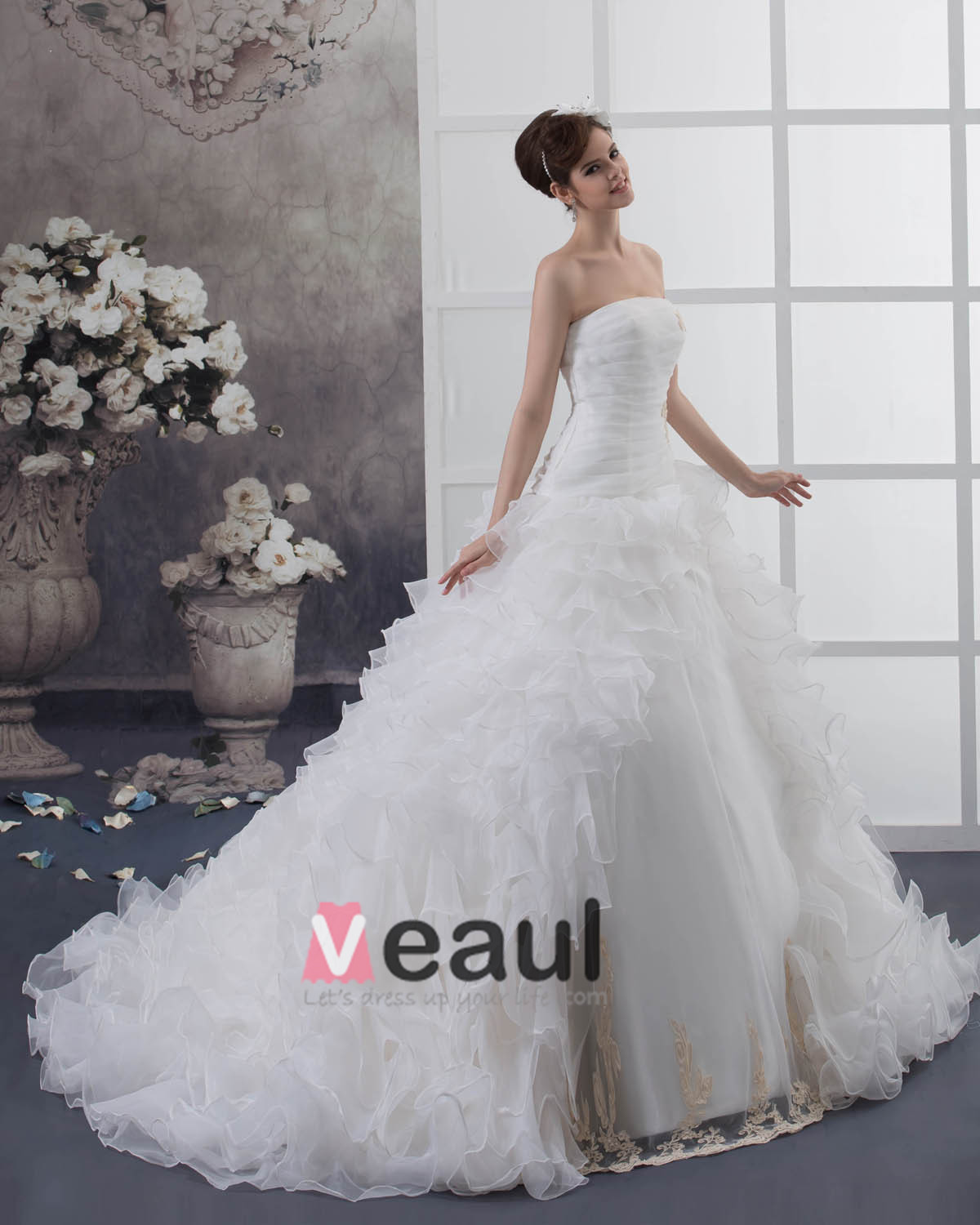Satin Organza Embroidery Beading Court A-Line Bridal Gown Wedding Dresses