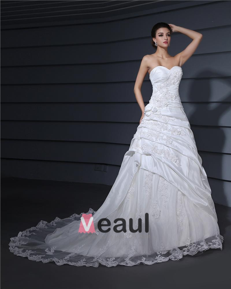 sweetheart neckline applique court a line bridal gown wedding dress