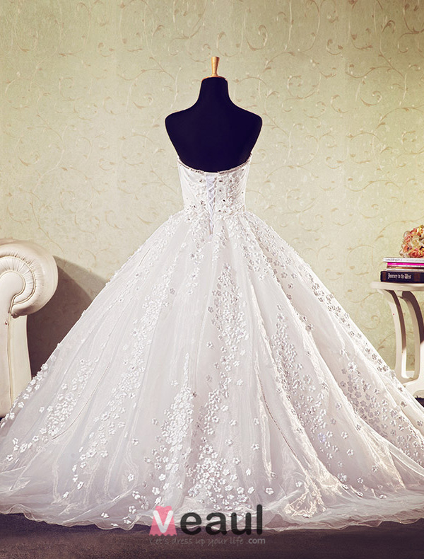 Ball Gown Deep Sweetheart Applique Flowers Wedding Dress With Crystal