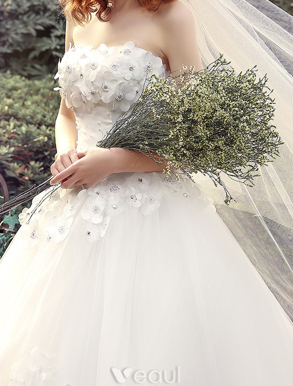 Ball Gown Wedding Dresses Long Trains : Glamorous wedding dresses ball gown strapless