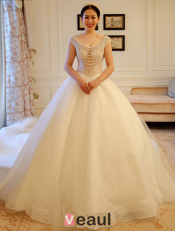 Sexy Ball Gown Beading Pearls Neckline Backless Wedding Dress With Long Trailing