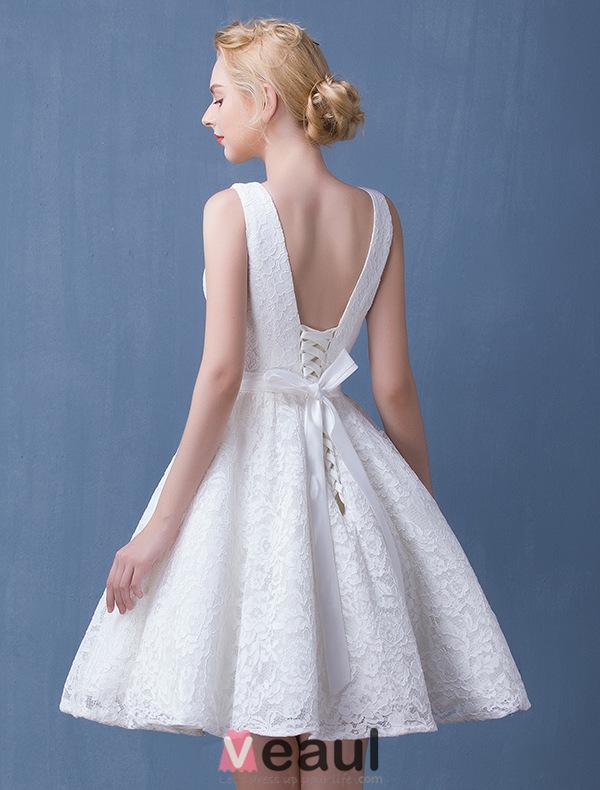 2016 Deep V-neck Backless White Lace Short Wedding Dress With Sash