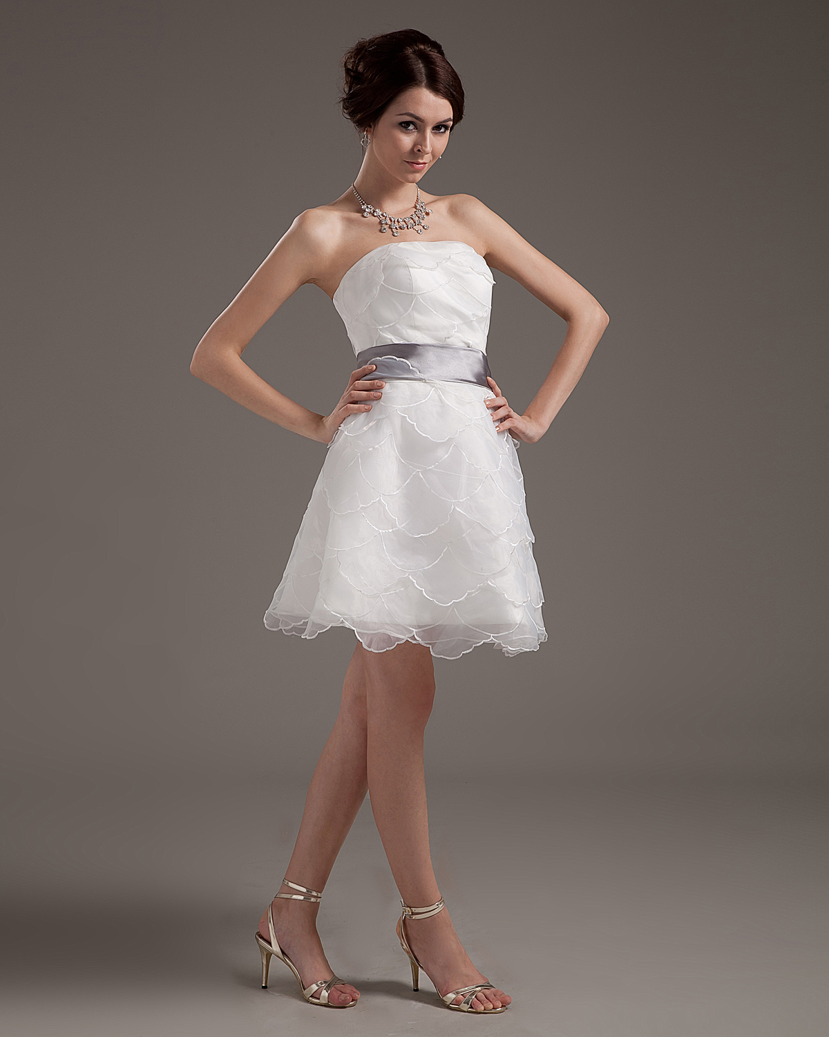 Yarn Layered Ruffle Strapless Short Bridal Gown Wedding Dress