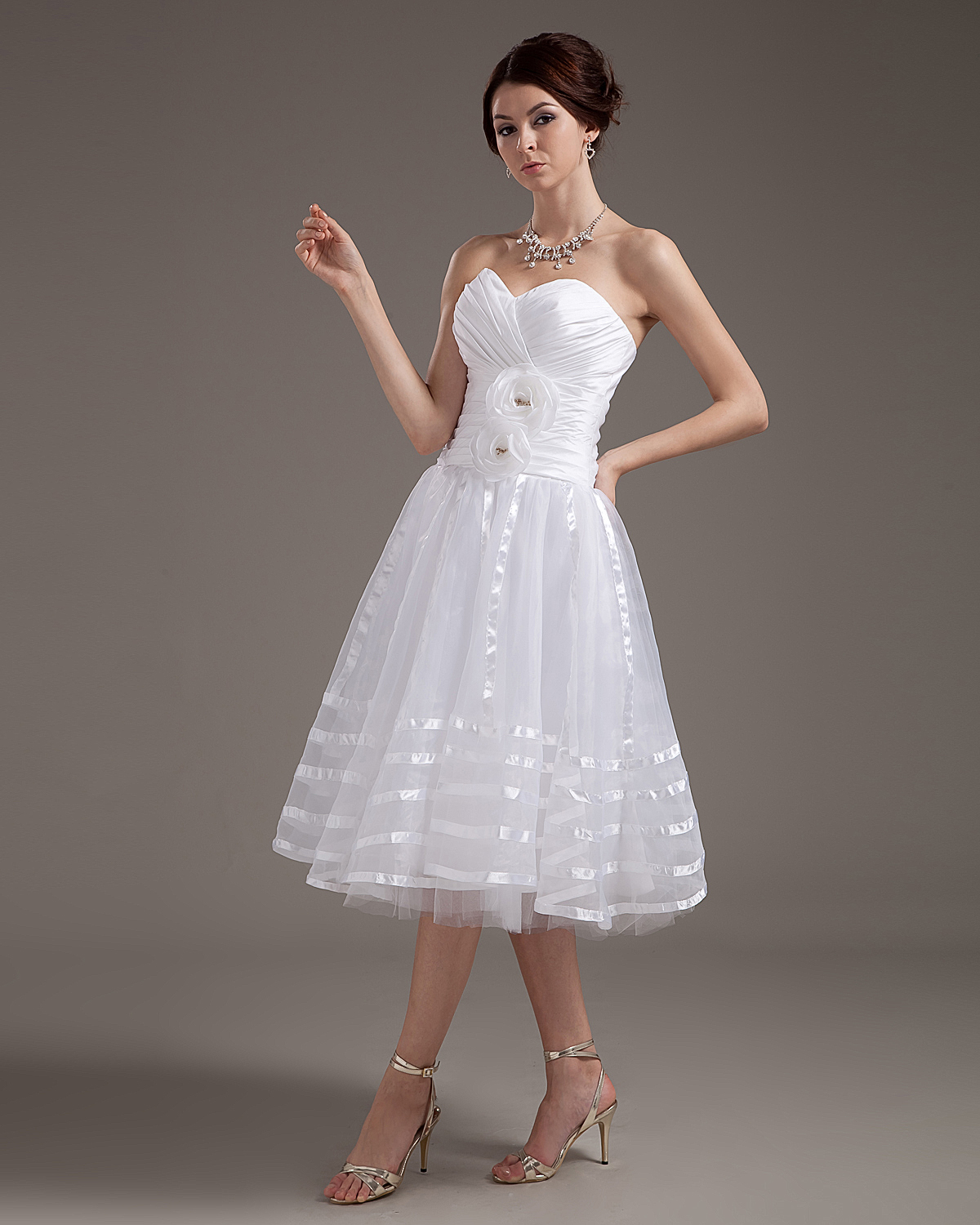 Elegant Strapless Applique Satin Yarn Short Wedding