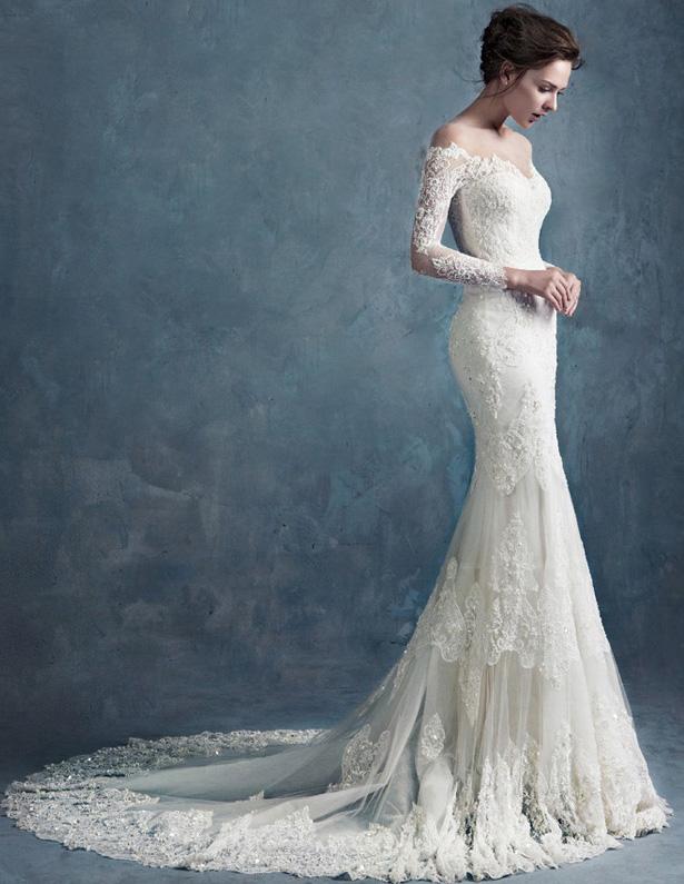 Wedding Dresses For Thin Brides : Slim thin lace retro bridal half sleeve trailing
