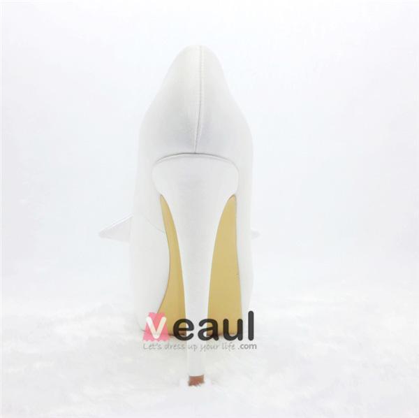Beautiful Ivory Bridal Shoes Stilettos Platform Pumps With Flower