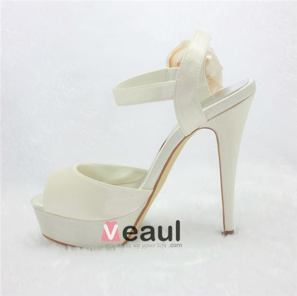 Beautiful Ivory Bridal Shoes Stilettos Platform Sandals With Flower