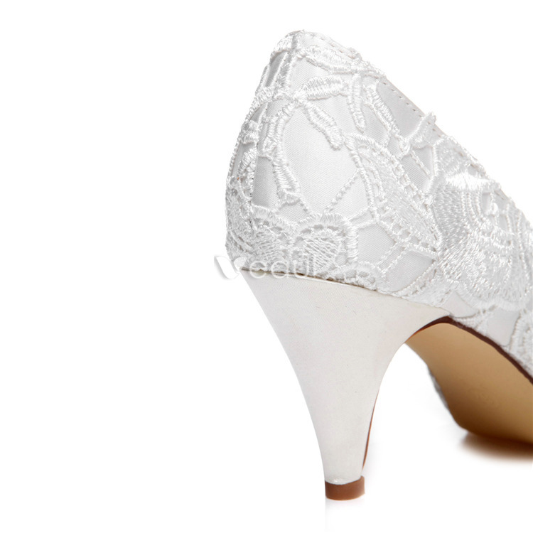 Beautiful Lace Wedding Shoes Stiletto Heels White Pumps Embroidered Satin Bridal Shoes Peep Toe