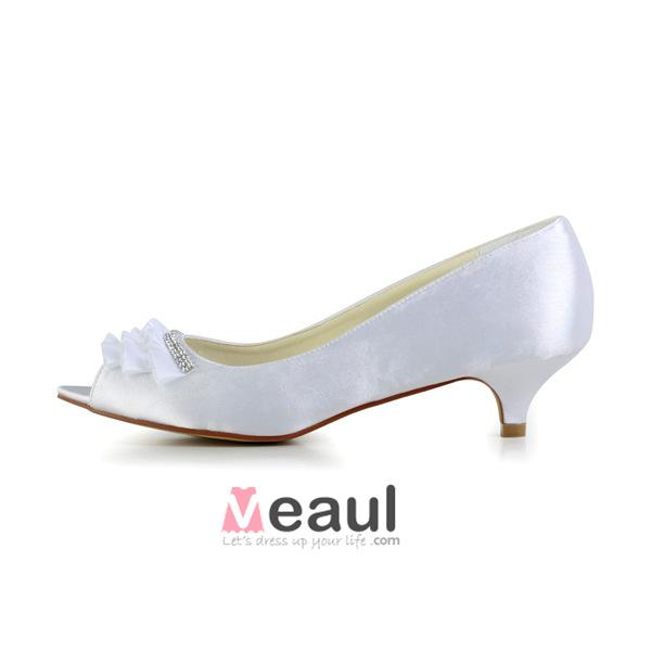 Beautiful Peep Toe Pierced Design With Rhinestone Kitten Heels Pumps Wedding Shoes