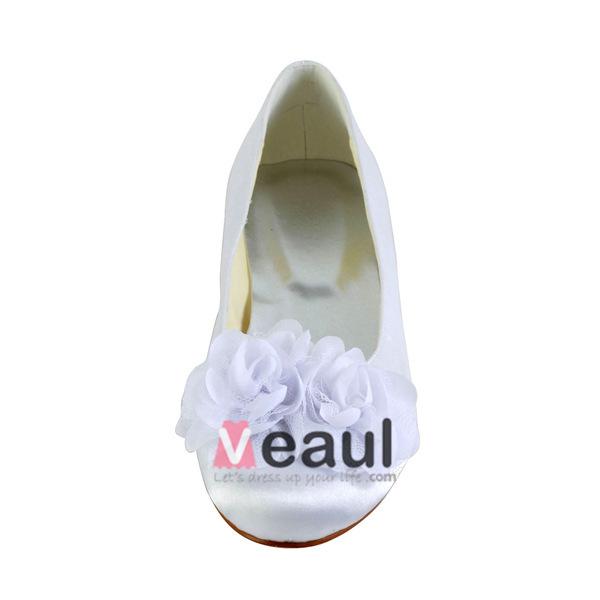 Beautiful Round Toe Flowers White Satin Flat Wedding Shoes