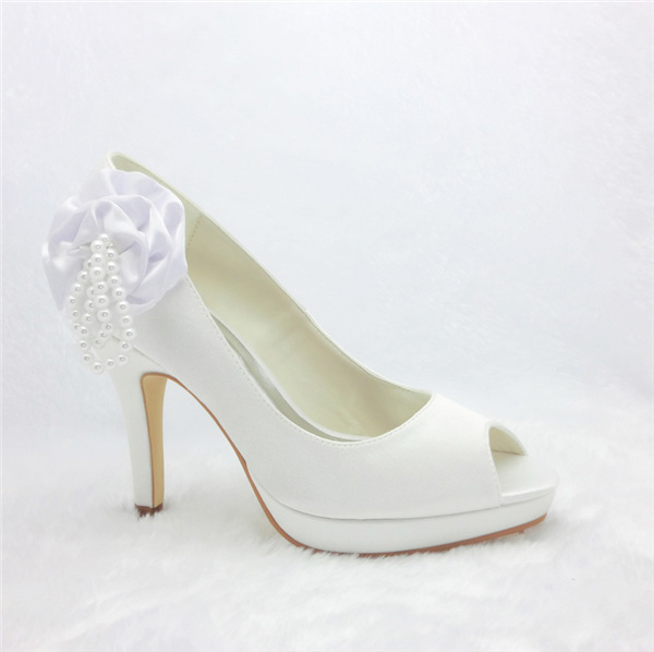 Beautiful White Bridal Shoes Satin Peep Toe Pumps With Pearl Flowers