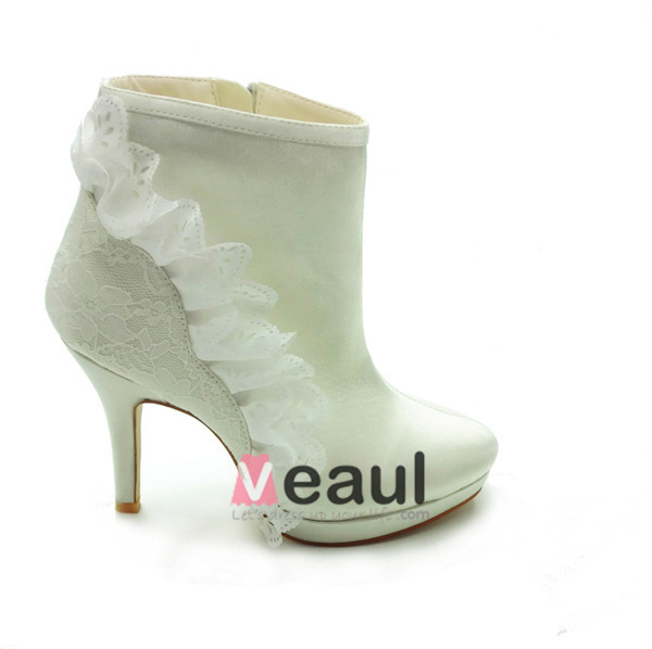 Beautiful Winter Bridal Shoes Ivory Satin Stilettos Boots With Lace