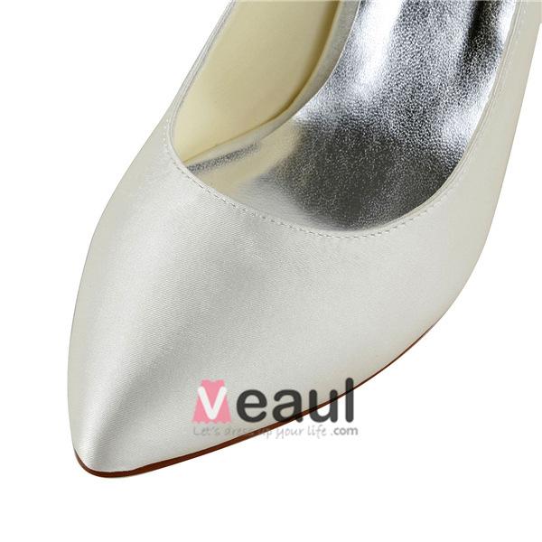 Chic White Bridal Wedding Shoes Pointed Toe Stilettos Pumps With Rhinestone