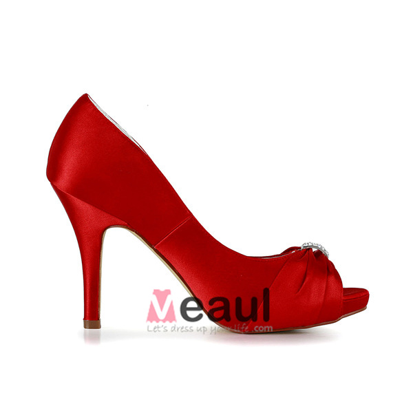 Elegant Red Bridal Shoes Ruffle Satin Pumps With Metal Jewelry