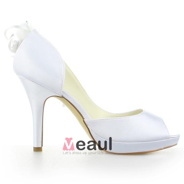 Elegant White Bridal Shoes Satin Stilettos Sandals With Pearl Flower