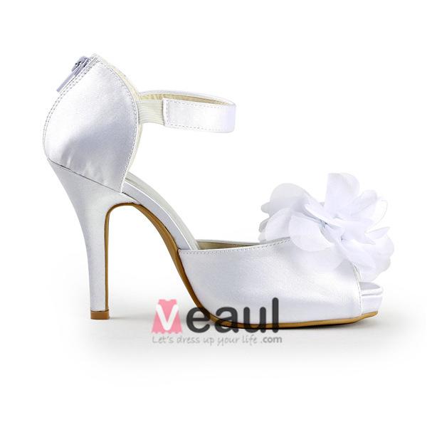 Glamorous White Bridal Shoes Satin Peep Toe Sandals With Big Flower