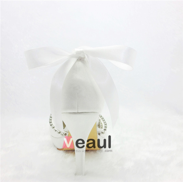 Glamorous White Bridal Shoes Satin Stilettos Pumps With Rhinestone Pendant Jewelry