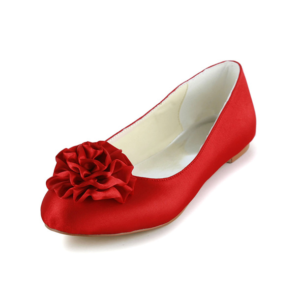 Romantic Round Toe Handmade Red Rose Satin Flat Wedding Shoes