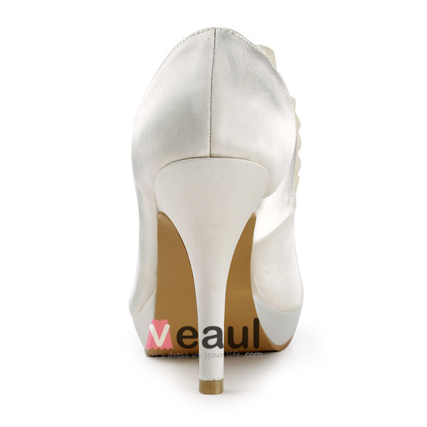 Simple Ivory Bridal Shoes Ruffle Satin Stilettos Pumps