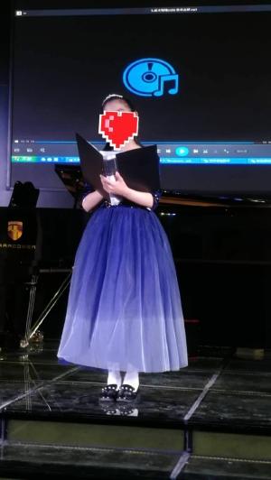 Beautiful dress.thanks