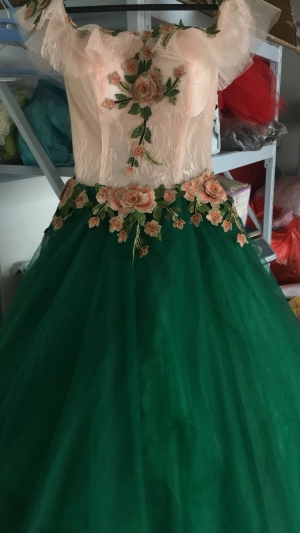Perfect prom dress, 100% as you see from model