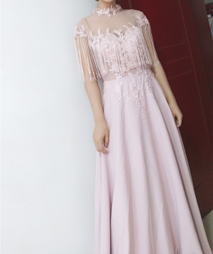 Awesome beautiful dress. Very happy